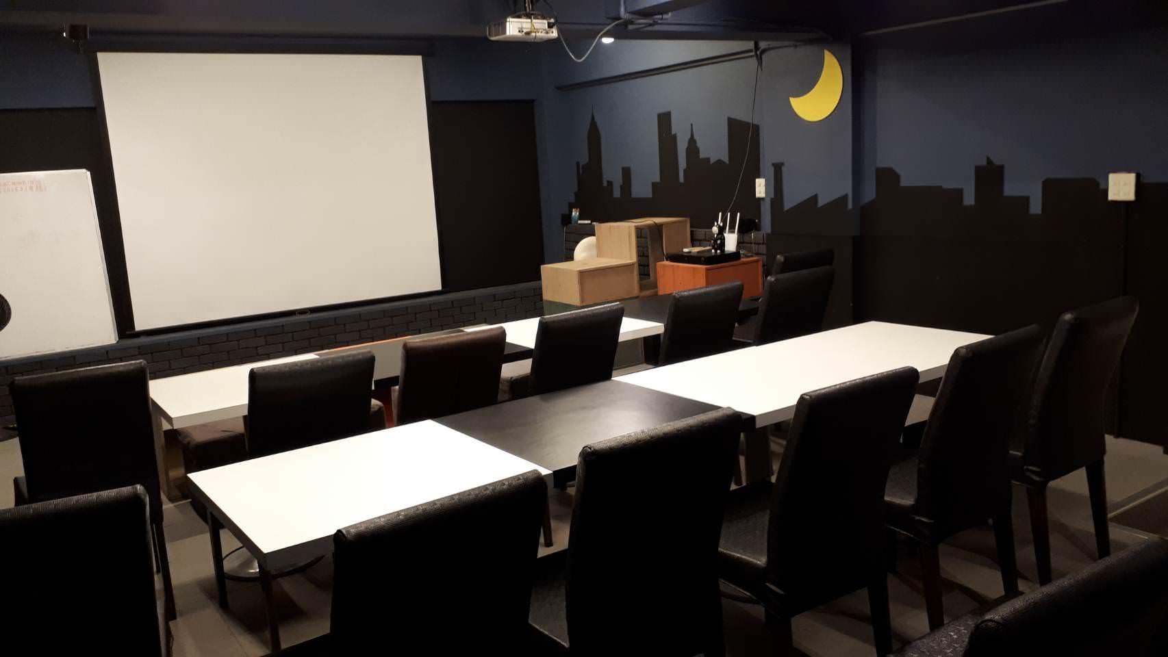 黑貓月亮咖啡館2樓空間